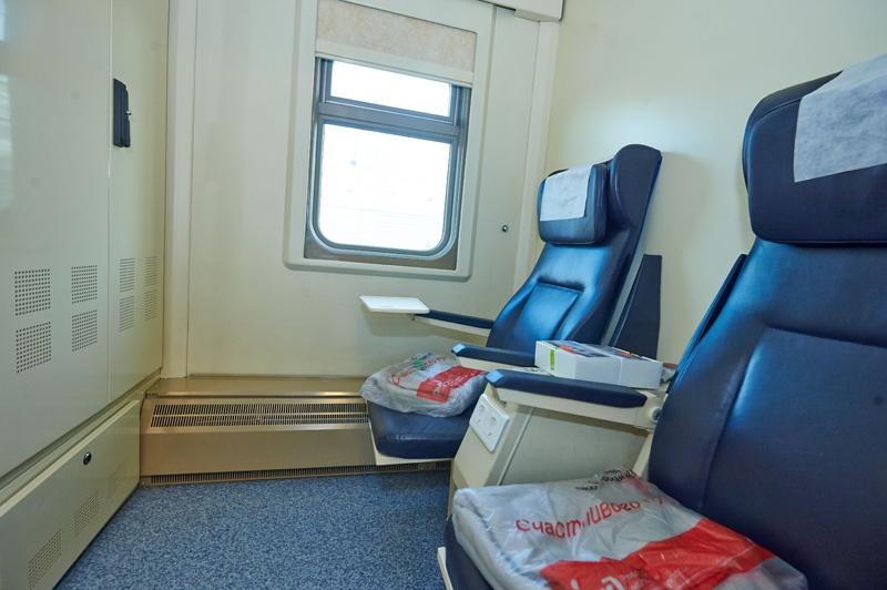 Интерьер вагона с местами для сидения (1 класс) Ярославль – Москва